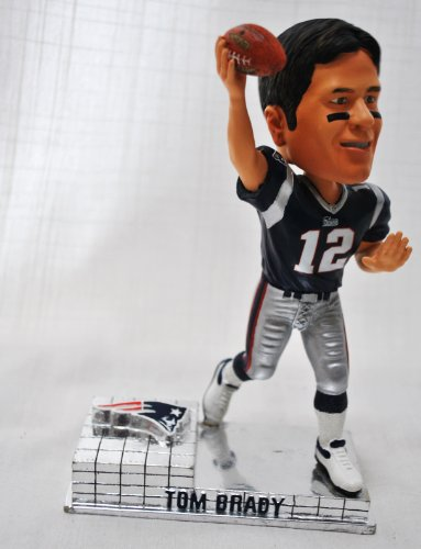 New England Patriots Tom Brady Official NFL #12 rare platinum base action Bobble Head by forever