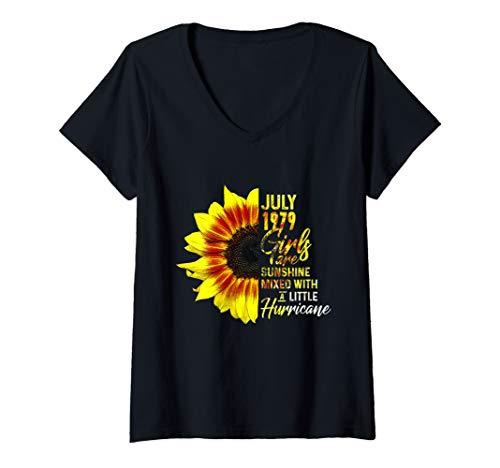 Womens July Girls 1979 Shirt 40th Birthday Gifts V-Neck T-Shirt