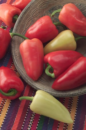 Mariachi Pepper - 10 Seeds - Mildly Hot (Mariachi Pepper Seeds)