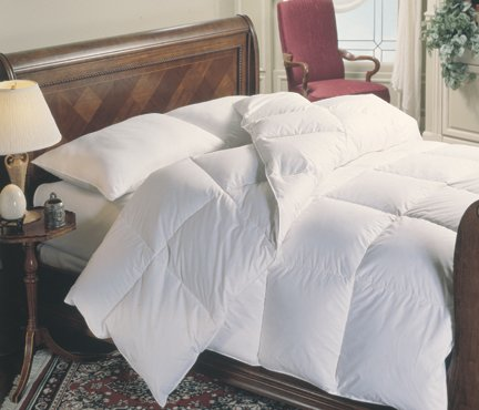 Down Comforter Alternative Duvet Insert Ultra Plush Baffle Box No Feathers Hypoallergenic Medium Weight All Season Year Round Reversible and Washable King/Cal King Size Oversized (106 by 90 inch)
