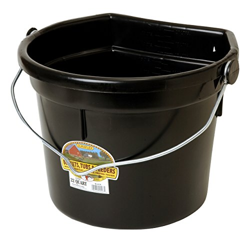 LITTLE GIANT Flat-Back Dura-Flex Plastic Bucket with Knob Bail, 22-Quart, Black