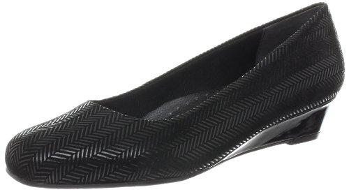 Trotters Women's Lauren Wedge