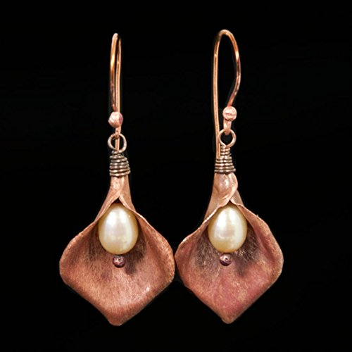 freshwater-cultured-pearl-and-copper-calla-lilly-earrings