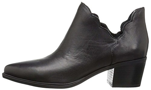 Betsey Johnson Womens MOLLY Pointed Toe Chelsea Boots, Bl...