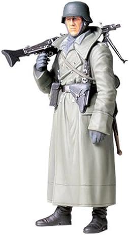 Tamiya 1:16 WWII Figur Dt.Soldat m.Mantel u.MG