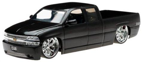 - 2002 Chevy Silverado Diecast Model Truck - 1:18 Scale Black