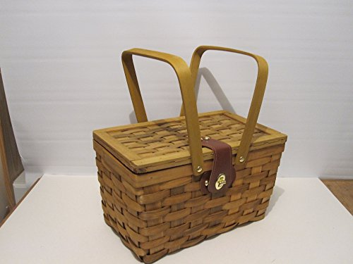 Picnic Basket Gingham Lined with Folding Handles Natural woven woodchip