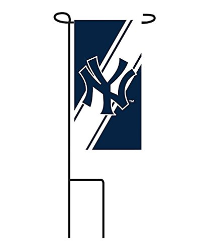 Rico Industries, Inc. New York Yankees Mini Yard Flag 24-Pack w/Stands Garden Outdoor Party Banner