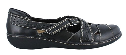 Clarks Women's Ashland Spin Q Slip-on Loafer, Black, 7.5 W US