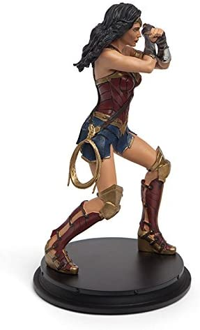 """Open Box Justice League Wonder Woman Gauntlet Clash Statue Exclusive  8/"""" tall"""
