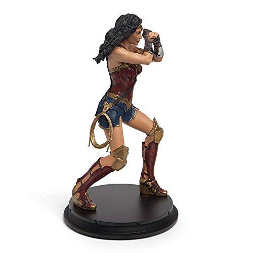 (Justice League Wonder Woman Gauntlet Clash Statue - Exclusive)