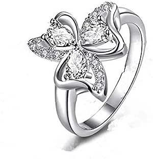 خاتم من الصوف على شكل وردة بيضاء