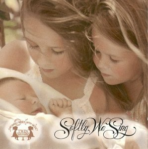 Price comparison product image Growing Minds with Music: Softly We Sing CD