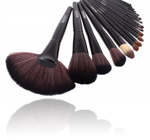 Beau Belle 24 Piece Makeup Brush Set with Case, Black