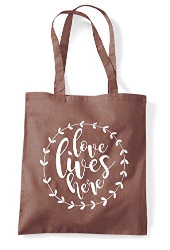 Wreath Lives Tote Simple Love Chestnut Shopper Statement Here Bag qgUwZxnOtZ