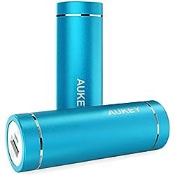 AUKEY Mini Batteria Portatile di 5000mAh per iPhone7 / 7 Plus / 6s / 6 / 6 Plus, Galaxy S7 / S7 Edge / Note 5, Kindle ecc., Ingresso 2A & Uscita 2A, Perfetto per il Viaggio e le Vacanze (Blu)