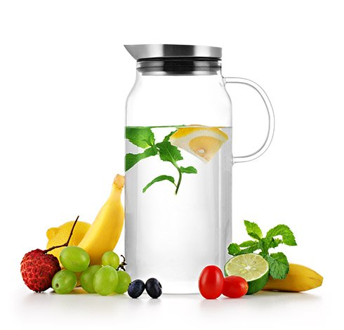 Samadoyo 1.3 liter (44oz) Borosilicate Glass Water Pitcher With Built-In Strainer for Fruit Infusions S'063