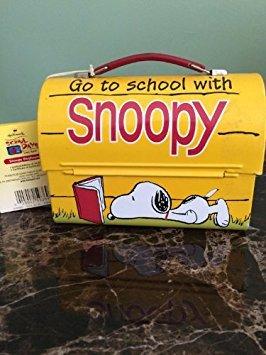 QHM8905 Hallmark School Days Snoopy Doghouse Collectible Lunchbox LE