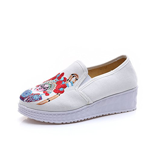 Chinese Embroidery Shoes Chinese style embroidered Canvas Shoes dancing shoes loafers white