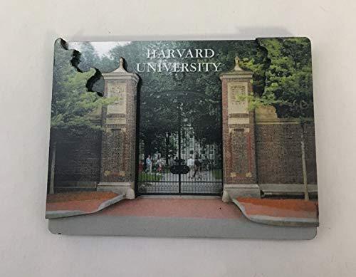 Harvard Johnston Gate 3-D Magnet ()