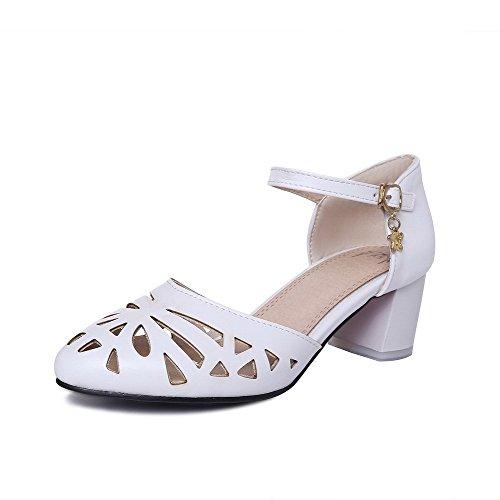 AllhqFashion Women's Closed Toe Kitten Heels Solid Buckle Sandals White KhcTD1