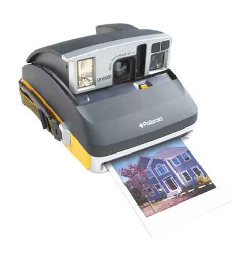 Amazon.com : Polaroid One600 Classic Instant Camera (OLD MODEL ...