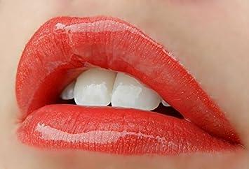 LipSense Bundle – 2 Items, 1 Color and 1 Glossy Gloss Pomegranate