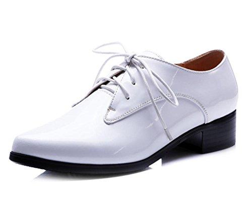 primera capa de zapatos de cuero de las nuevas mujeres señaló los zapatos de tacón White