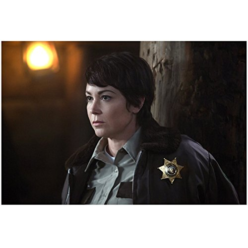 Supernatural (TV Series 2005 – ) 8 inch by 10 inch PHOTOGRAPH Kim Rhodes from Chest Up Light Over Right Shoulder kn