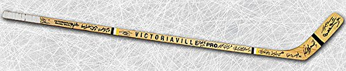 - 1970 Boston Bruins Team Autographed Bobby Orr Hockey Stick: 16 Autographs
