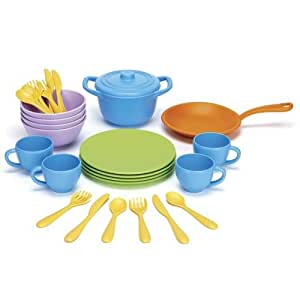 Green Toys DIN01R Cookware and Dining Set