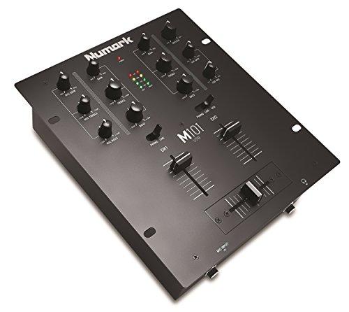 Numark M101USB – Mezclador de DJ Polivalente de 2 Canales, Instalable en Rack, con Ecualización de 2 Bandas, Entrada de Micrófono, Crossfader Reemplazable e Interfaz de Audio Incorporada