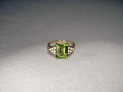 - Gorgeous Estate 10K 14K Yellow Gold Diamond Emerald Cut Peridot Ring