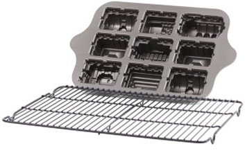 Train Cake Pan with Non-Stick Cooling Rack bundle - 2 items