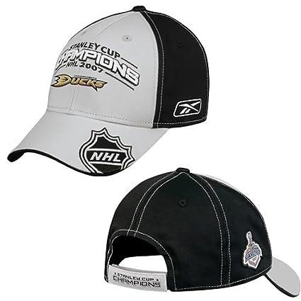 Amazon.com   ANAHEIM DUCKS 2007 LOCKER ROOM HAT CAP STANLEY CUP Rbk ... 4ed03c213f86