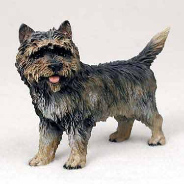 Figurine Terrier (Cairn Terrier Dog Figurine - Brindle)