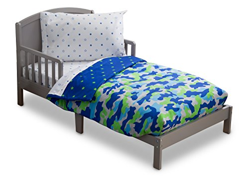 Delta Children Reversible Boys Toddler 4 Piece Bedding Set (Fitted Sheet, Flat Top Sheet w/ Elastic bottom, Fitted Comforter w/ Elastic bottom, Standard Pillowcase) Boys Blue & Green | Camo / Stars