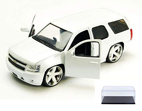 Diecast Car & Display Case Package - Chevy Tahoe SUV, White - Jada Toys LoPro 96469 - 1/24 Scale Diecast Model Toy Car w/Display Case