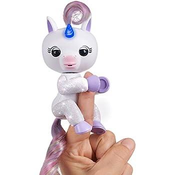 Amazon Com Fingerlings Baby Unicorn Gigi White With