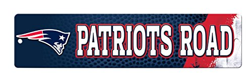 NFL New England Patriots 16-Inch Plastic Street Sign Décor -