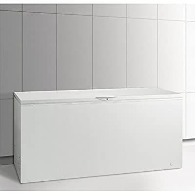 "Frigidaire FFFC22M6QW 74"" Chest Freezer with 21.5 Cu. Ft. Capacity in White"