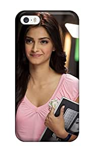Iphone 5/5s Case Cover - Slim Fit Tpu Protector Shock Absorbent Case (sonam Kapoor In I Hate Luv Storys)