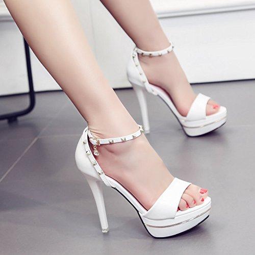 Tous Boucle Fine match 62 White De Chaussures À Taiwan Zhudj Hauts Une Les Femelle Imperméables Rivets Fines Pointe D'été 3068 Sandales Talons Avec BqzqUZwH
