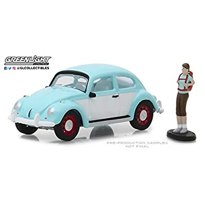 Greenlight 97040-F 1:64 Scale Hobby Shop Classic Volkswagen Beetle with Backpacker: Toys & Games