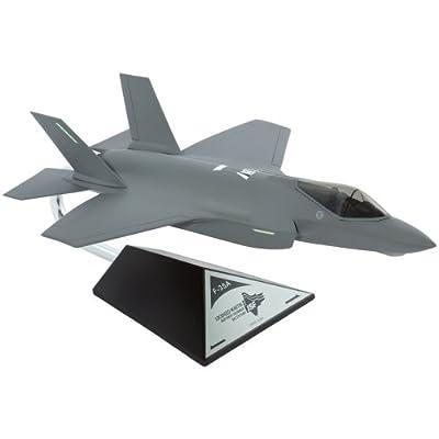 Daron Executive Series F-35A Generic Conventional 1/48 (B40748)