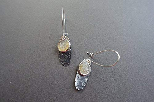 (silver and gold resin and hammered aluminum oval earrings)