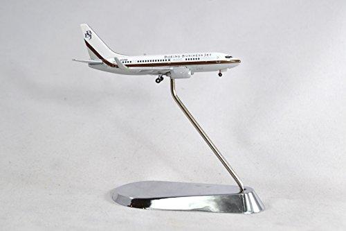 - GeminiJets Boeing Business Jets 737-700 Diecast Airplane Model N737BZ With Stand 1:400 Scale Part# GJBBJ375
