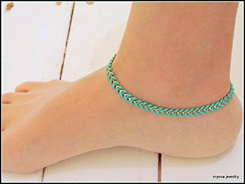 Looking for a leaf anklets and bracelets? Have a look at this 2020 guide!