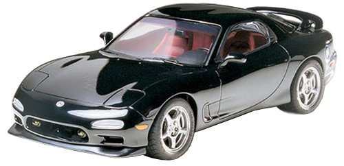 (Tamiya Mazda RX-7 R1 - 1/24 Scale Model Kit 24116)
