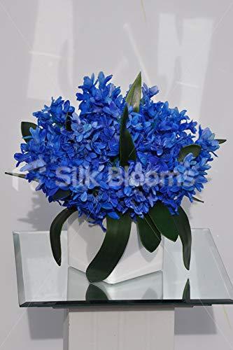 人工シルク染めブルーヒヤシンスと蘭の葉のアレンジメント ホワイトセラミックキューブ付き B07H8H7NLD